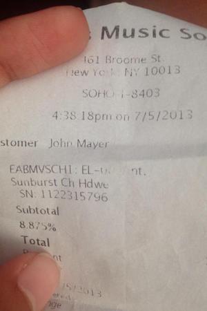 ใบเสร็จที่จ่ายโดย John Mayer