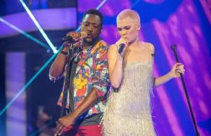 Jessie J แสดงร่วมกับ Matt Henry ในรายการ