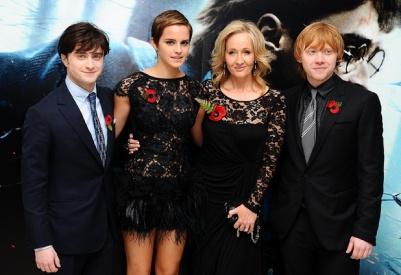 นักแสดงจาก Harry Potter และ JK